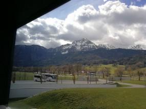 Aus dem Fenster:Porsche Traumwerk